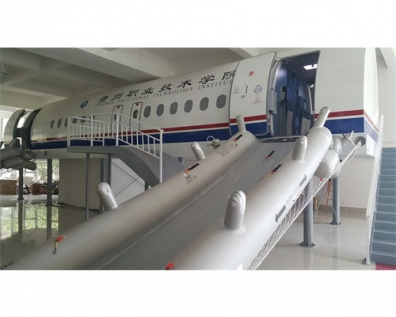 A320撤离训练舱